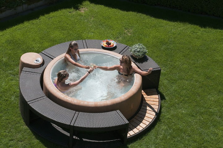 vasca idromassaggio softub stiltende rivenditore softub sardegna vasche idromassaggio. Black Bedroom Furniture Sets. Home Design Ideas