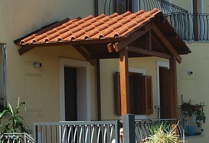 Pergole addossate pergole in legno con telo in pvc verande in legno con copertura in tessuto - Ampliare casa con struttura in legno ...
